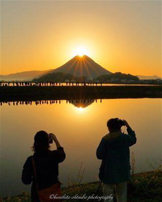 「ダブルダイヤモンド讃岐富士」見頃 @ 宮池 | 丸亀市 | 香川県 | 日本
